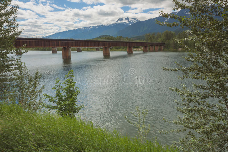 Revelstoke-Zug-Brücke stockbild