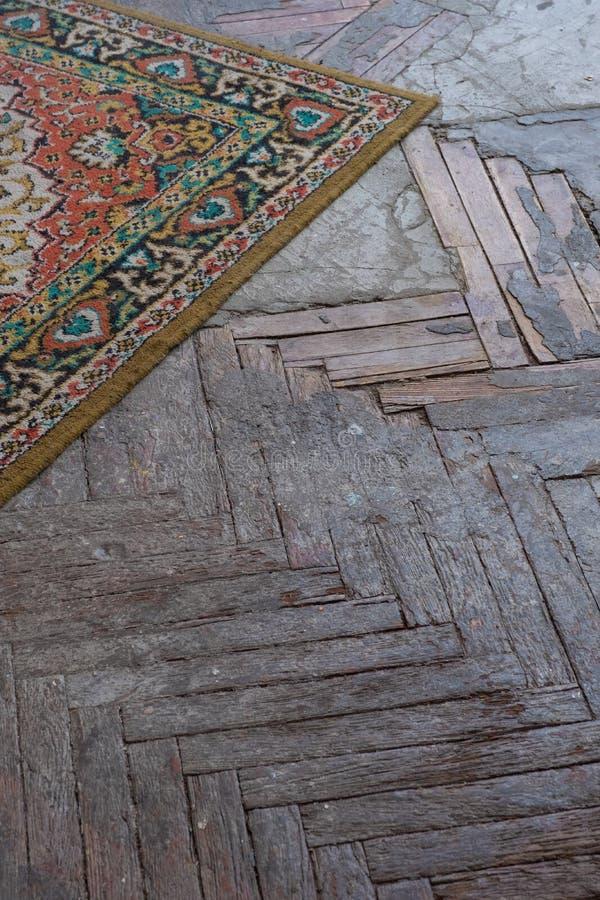 Revestimento de madeira velho do parquet imagem de stock royalty free