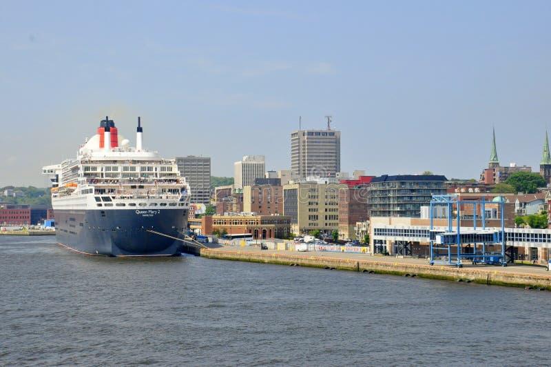 Revestimiento marino de Queen Mary 2 en StJohn, Canadá imagenes de archivo