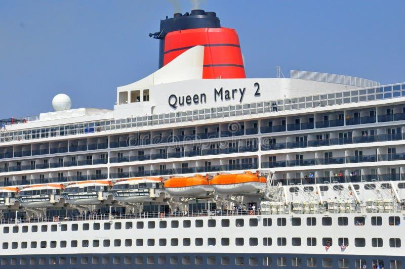 Revestimiento marino famoso de los mundos de Queen Mary 2 fotos de archivo
