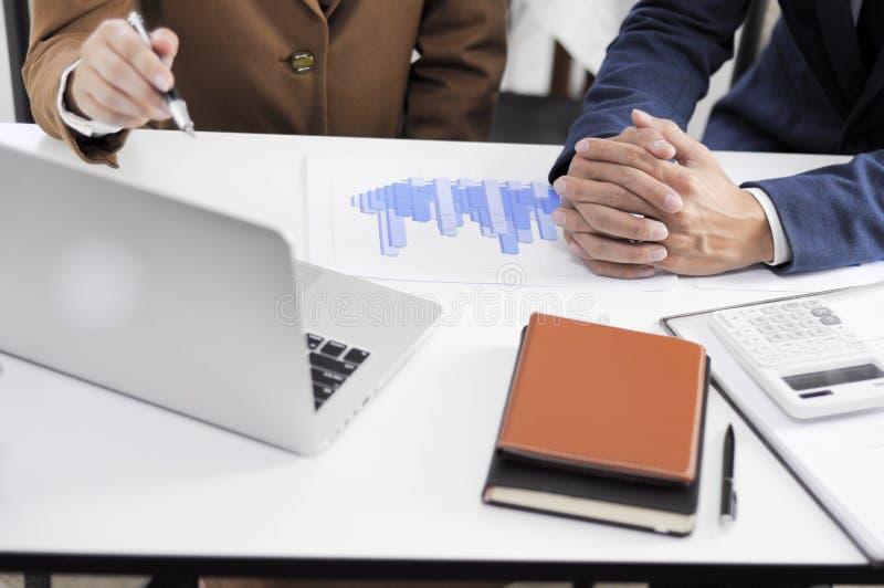 Revisão de encontro consultiva da gestão do investimento da administração do planeamento do contador fotografia de stock royalty free