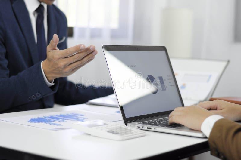 Revisão de encontro consultiva da gestão do investimento da administração do planeamento do contador foto de stock