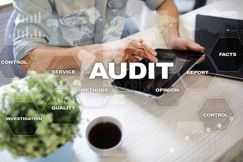 Revisionsaffärsidé _ överensstämmelse Teknologi för faktisk skärm arkivfoton