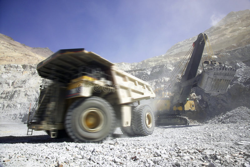 Revista el carro de mina con cobre en Chile imágenes de archivo libres de regalías