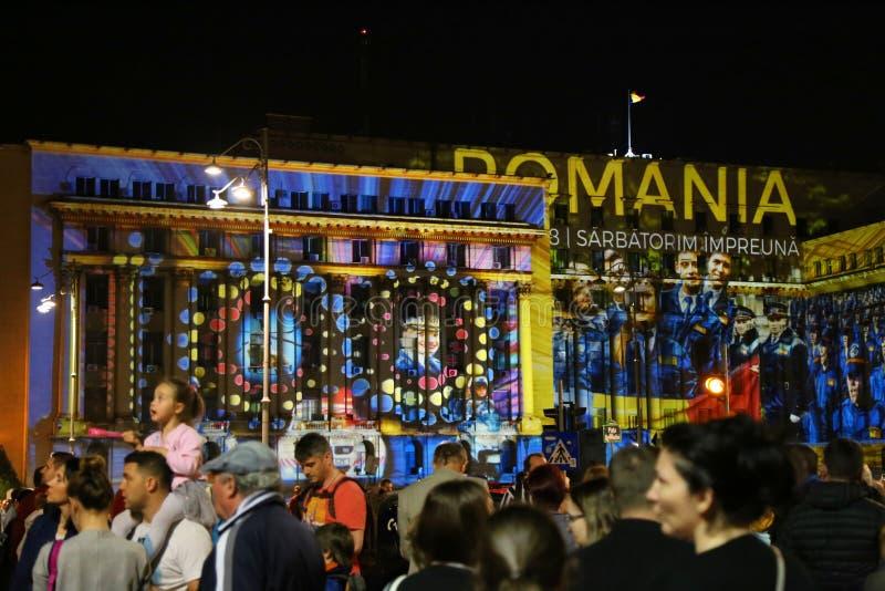 Revolutionfyrkant i Bucharest på festivalen av ljus 2018 royaltyfri bild