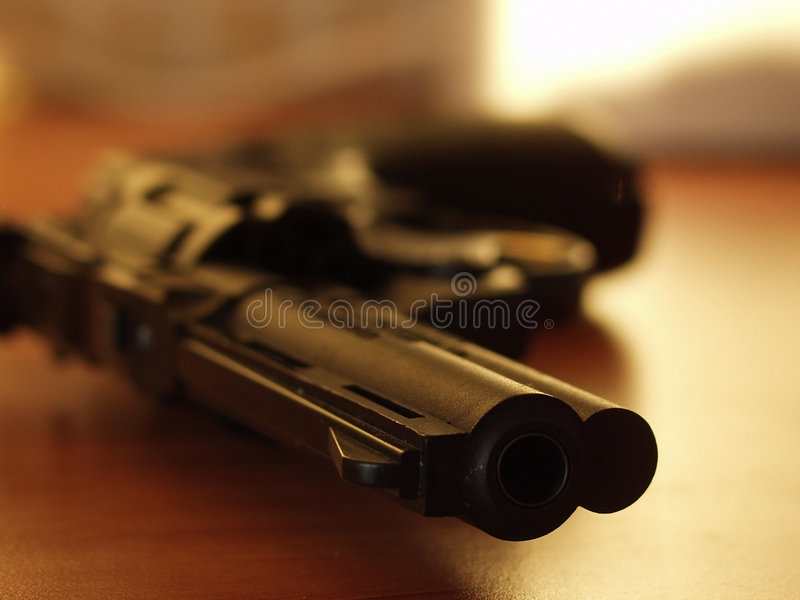 Download Revolver 3 stockfoto. Bild von nachgemacht, sport, metall - 39502