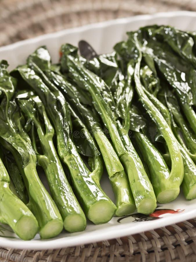 Revuelva el bróculi chino frito imagenes de archivo