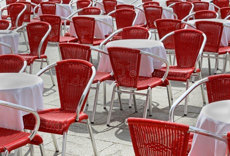 Download Rewolucjonistek krzesła zdjęcie stock. Obraz złożonej z powierzchowność - 28953140