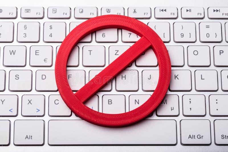 Rewolucjonistka Żadny znak Na Komputerowej klawiaturze zdjęcia royalty free