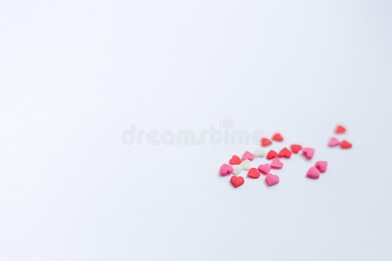 Rewolucjonistka czuł valentine serca na śnieżnym białym tle Walentynki ` s dnia pojęcie obrazy stock