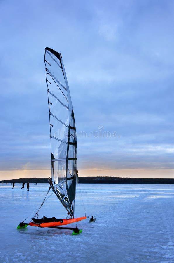 Rewolucjonistki żeglowania lodowa łódź obrazy royalty free