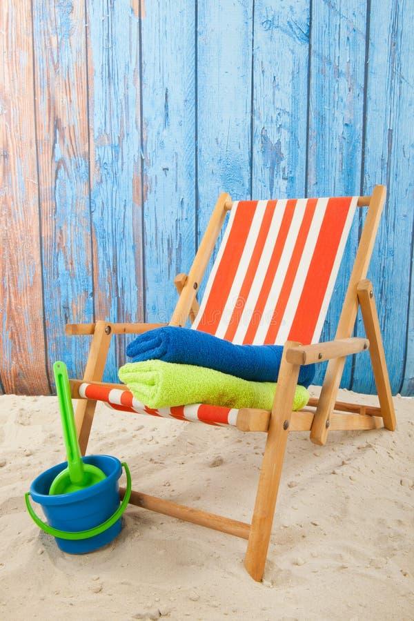 Rewolucjonistki pasiasty plażowy krzesło fotografia stock