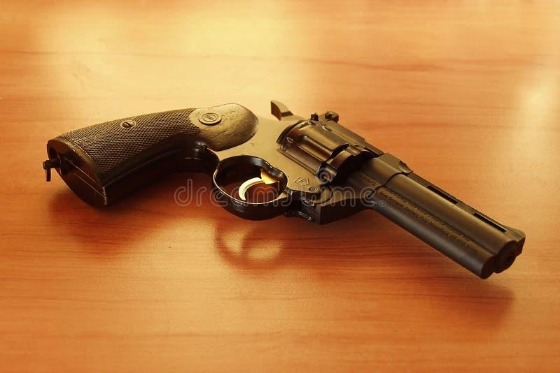 Download Rewolwer 1 zdjęcie stock. Obraz złożonej z kolt, pistolet - 39496