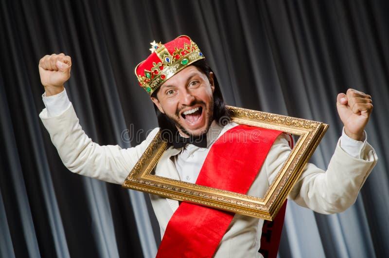 Rey con el marco imagen de archivo