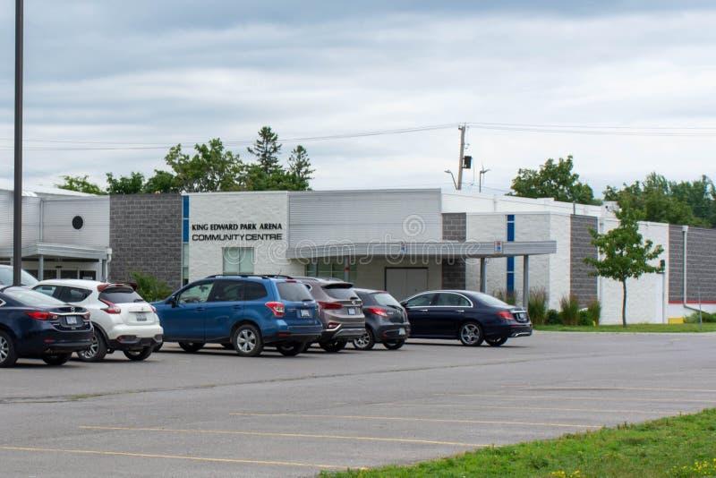 Rey Edward Park Area Community Centre en una ciudad canadiense de la pequeña ciudad de Brighton cerca del parque provincial del l foto de archivo