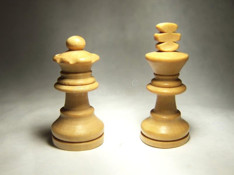 Rey y reina blancos del ajedrez fotografía de archivo libre de regalías