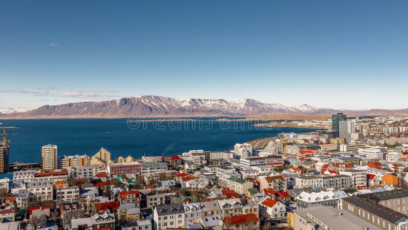 Reykjavik från över arkivfoton