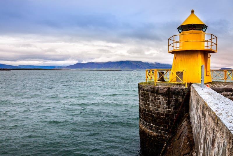 Reykjavik hamnfyr fotografering för bildbyråer