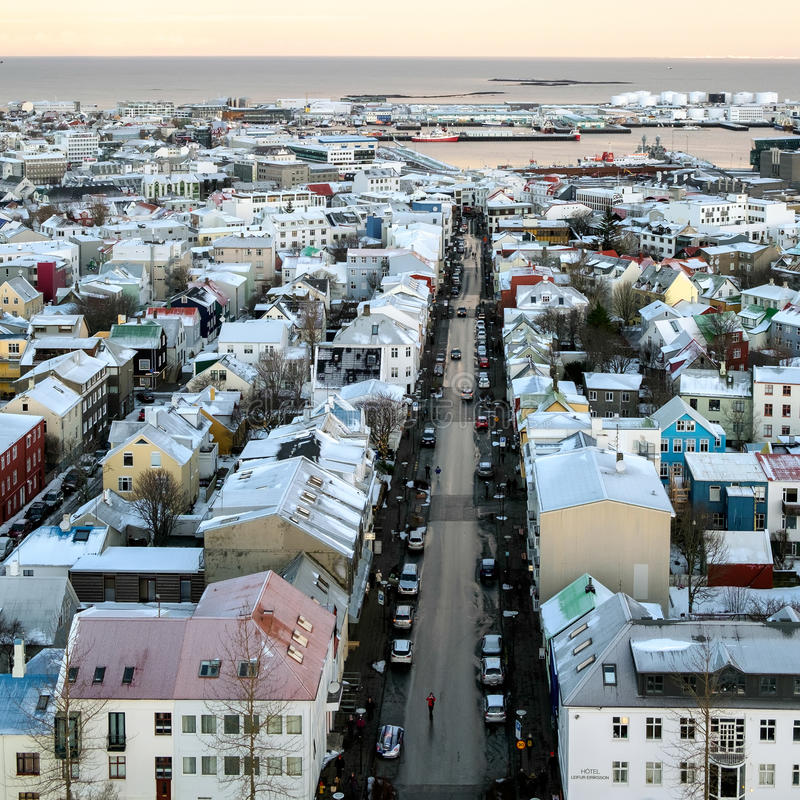 REYKJAVIK/ICELAND - 05 FEBRUARI: Mening over Reykjavik van Hallgrimsk royalty-vrije stock foto's