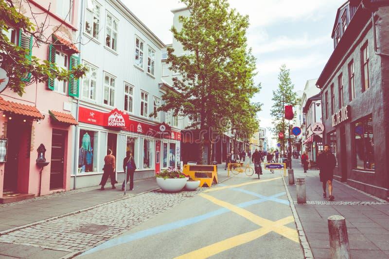 REYKJAVIK, ISLAND - 9. JUNI 2019: Reykjavik-Stadt in der Sommerzeit Reykjavik ist die Haupt- und gr??te Stadt von Island stockbild