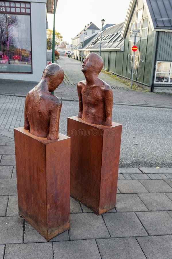 REYKJAVIK, ISLANDIA - 15 DE OCTUBRE DE 2014: Estatua en Reykavik, Islandia imágenes de archivo libres de regalías