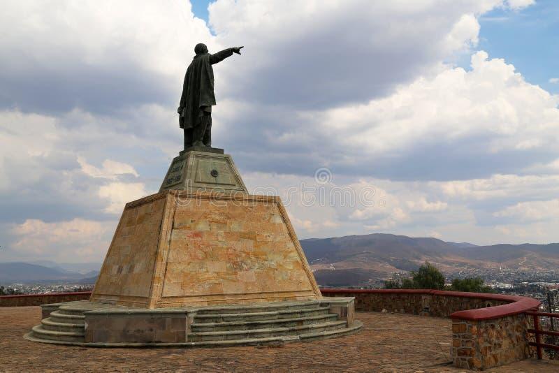 Rez GarcÃa de ¡ de Benito Pablo Juà regardant au-dessus d'Oaxaca, le Mexique photographie stock libre de droits