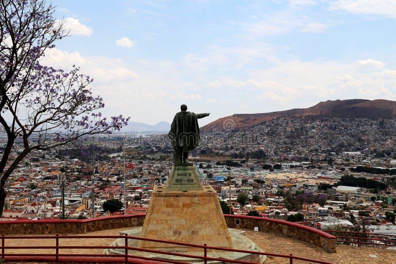 Rez GarcÃa de ¡ de Benito Pablo Juà regardant au-dessus d'Oaxaca, le Mexique photo libre de droits