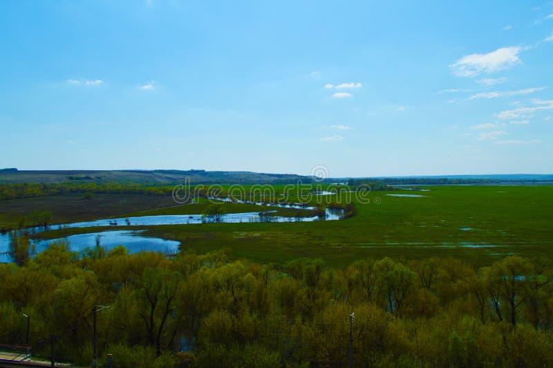 Rezerwowy Divnogorie Widok rzeka od Cretaceous gór obraz royalty free