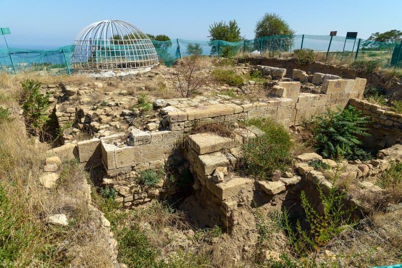 Rezerwuar dwunawowy w Naryn-Kala fortecy miejsce archeologiczne Derbent fotografia stock