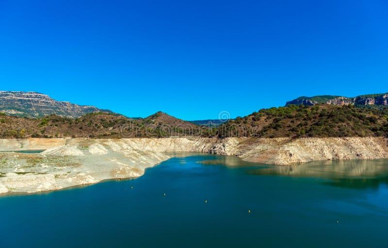Rezerwuar Pantano De Siurana, Tarragona, Hiszpania Odbitkowa przestrzeń dla teksta zdjęcie stock