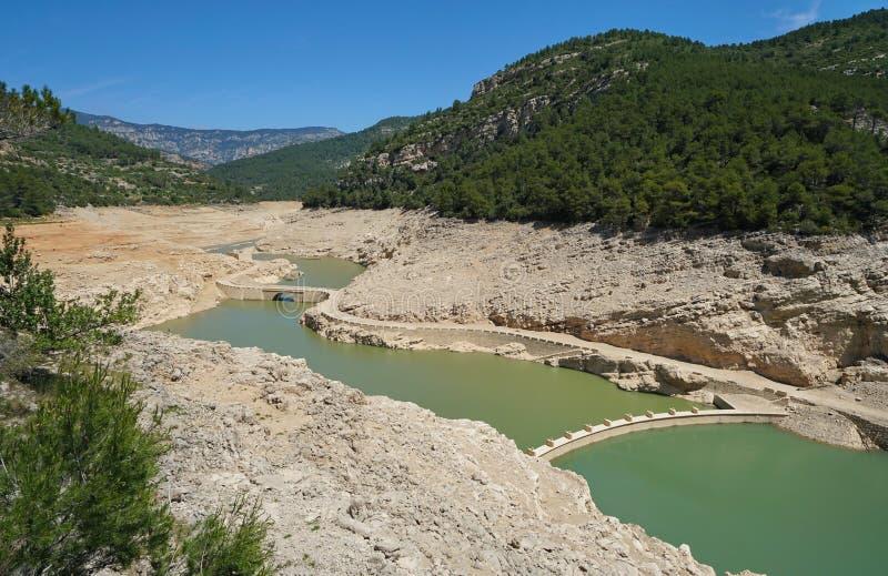 Rezerwuar Ulldecona praktycznie pusty Hiszpania zdjęcia royalty free