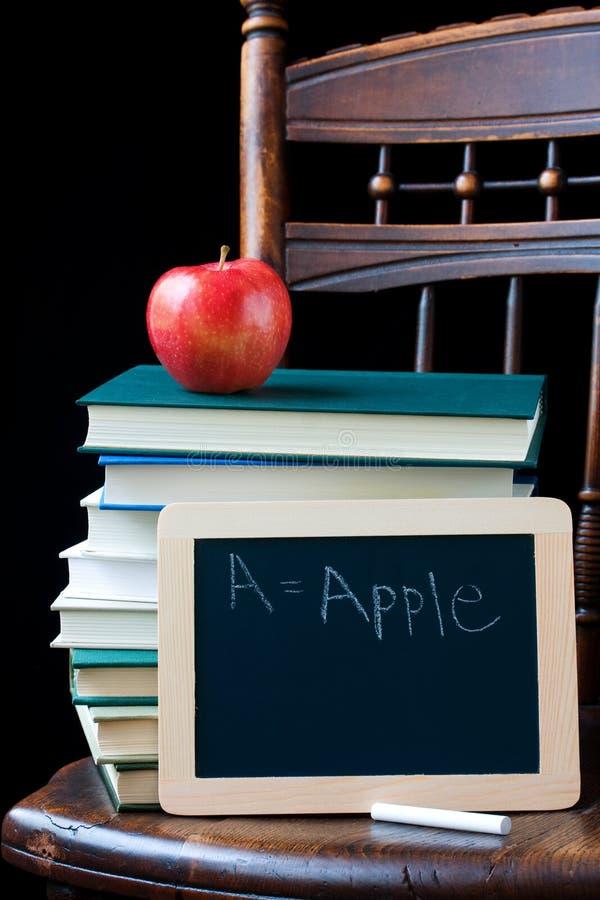 rezerwuje chalkboard zdjęcia stock