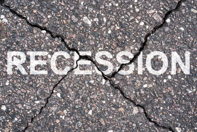 Rezession auf der Straße geschrieben lizenzfreie stockbilder