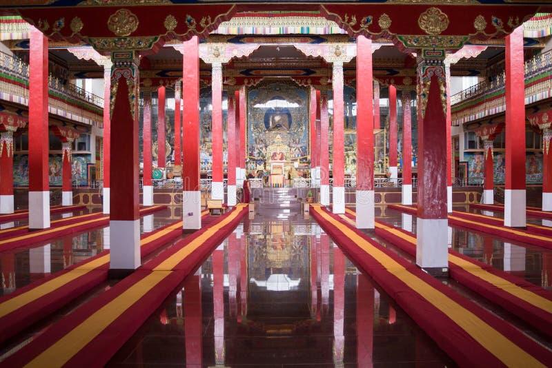 Download Rezo budista Pasillo imagen de archivo. Imagen de pasillo - 42436359