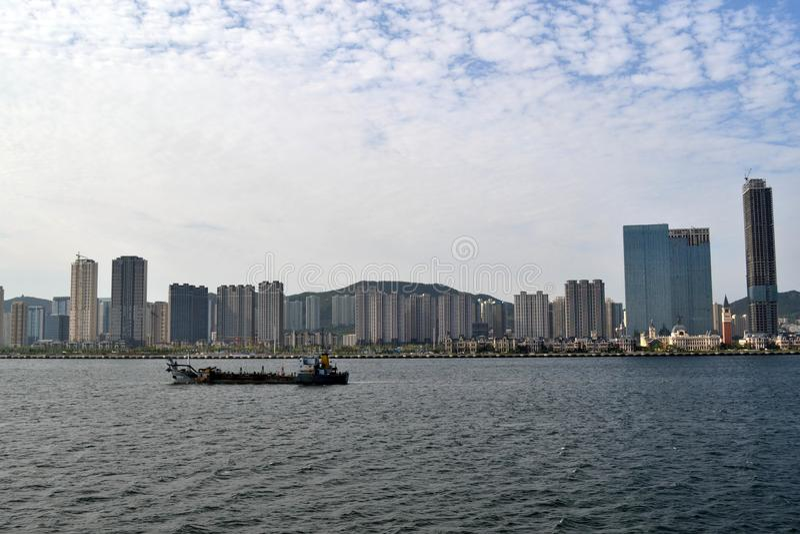 Rezultat ekspansywny rozwój w Chiny Ja ` s Dalian miasto, zdjęcie royalty free