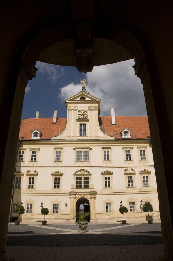 rezydencja ziemska domowy portal obrazy royalty free
