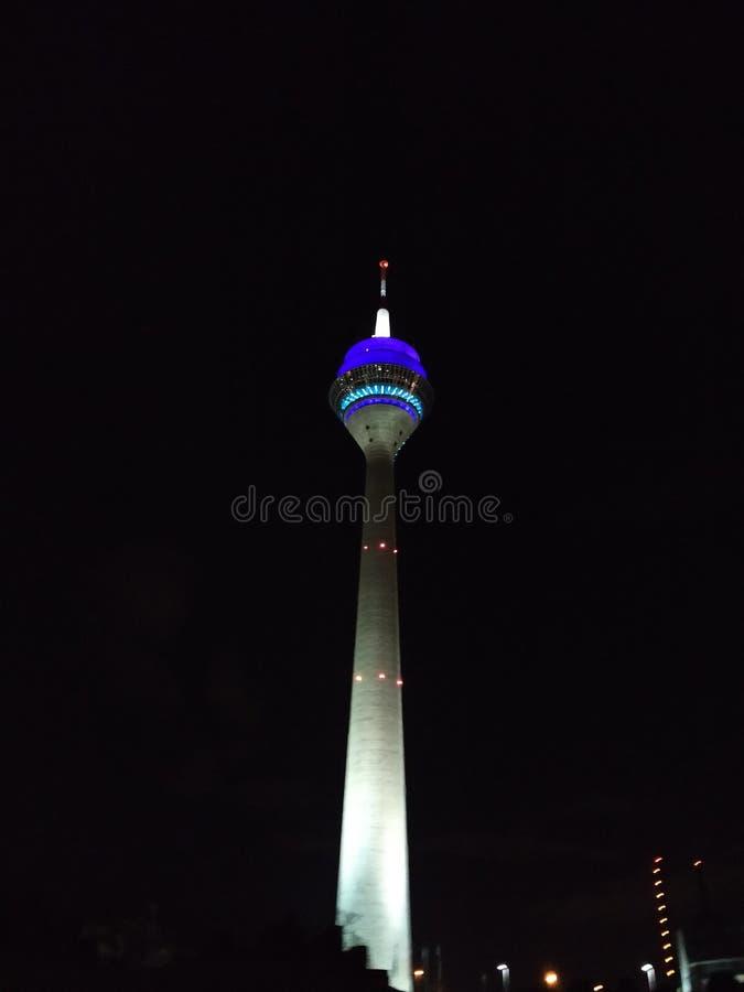 Rhein-Turm nachts lizenzfreie stockfotografie