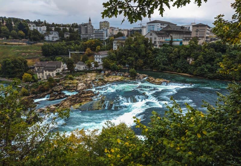 Rheinfall in der Schweiz stockfotografie