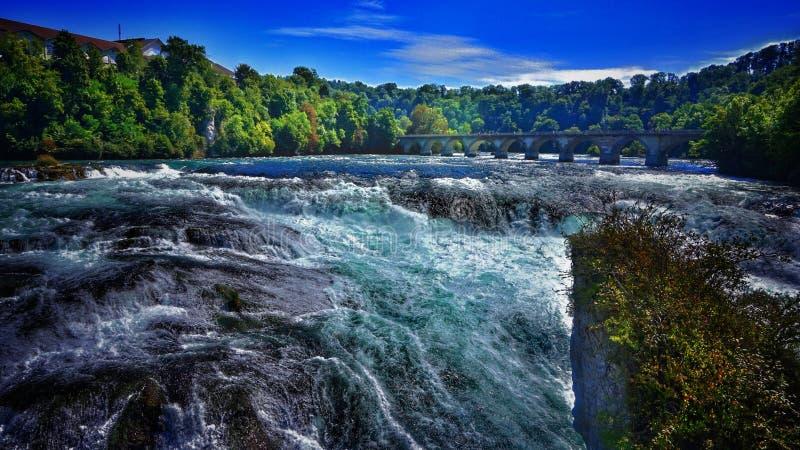 Rheinfall am Mittag stockfoto