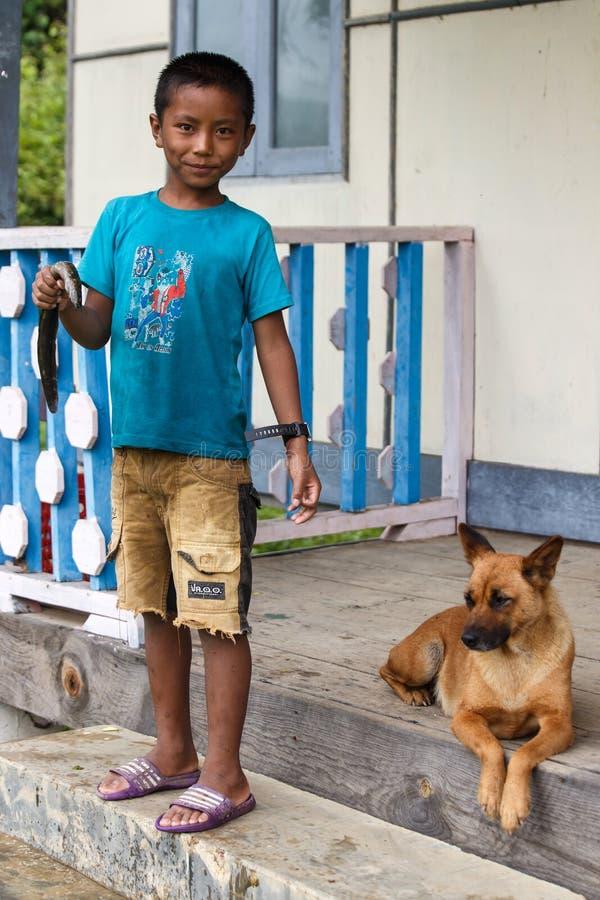 Rhi湖的,缅甸(缅甸)年轻渔夫 免版税图库摄影