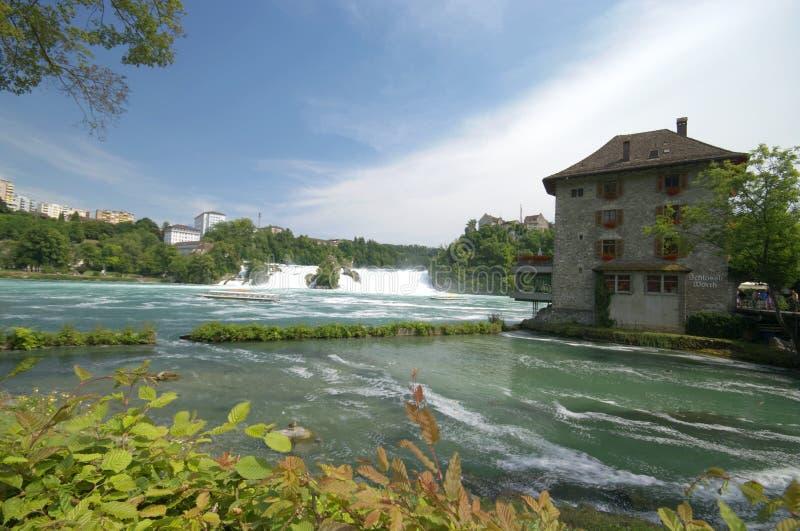 Rhine cai em Schaffhausen imagens de stock royalty free