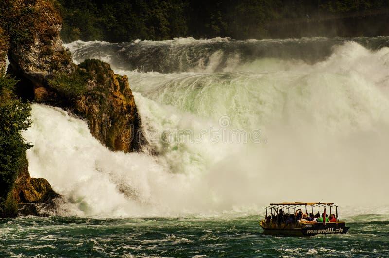 Rhinefall Η δύναμη της φύσης στοκ φωτογραφία με δικαίωμα ελεύθερης χρήσης