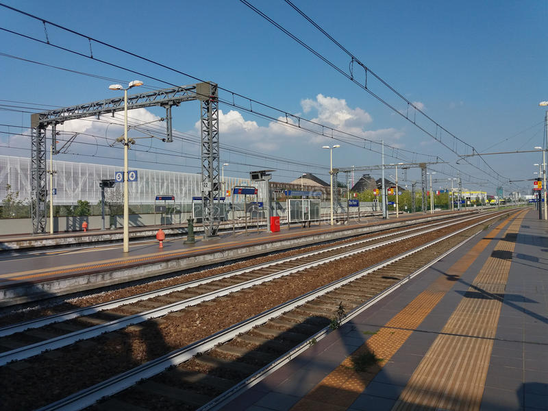 Rho Fiera-Bahnstation stockbilder