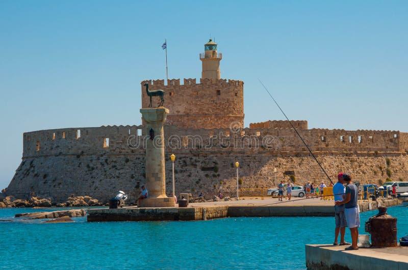 Rhodes Grecja, Sierpień, - 11, 2018: Krajobraz stary miasteczko Rhodes, Uroczystego mistrza pałac Rhodes, Grecja fotografia stock