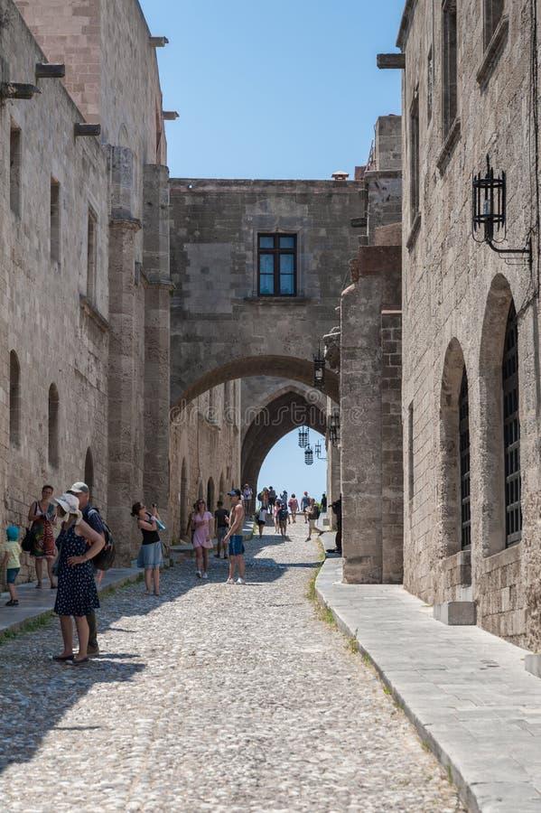 Rhodes Grekland Maj 30, 2018 Gatan av riddarna Gammal stad, ö av Rhodes, Grekland, Europa royaltyfri fotografi