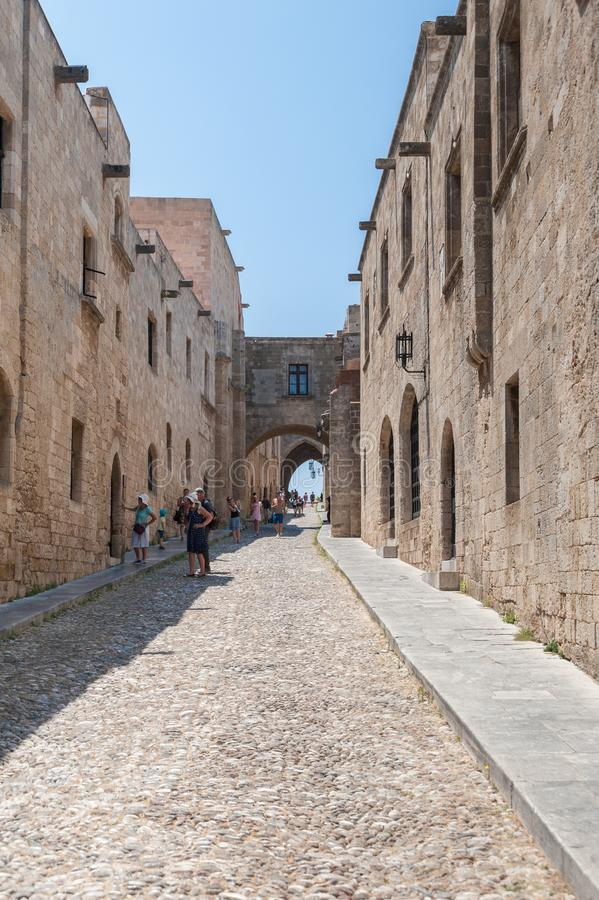 Rhodes Grekland Maj 30, 2018 Gatan av riddarna Gammal stad, ö av Rhodes, Grekland, Europa arkivbild