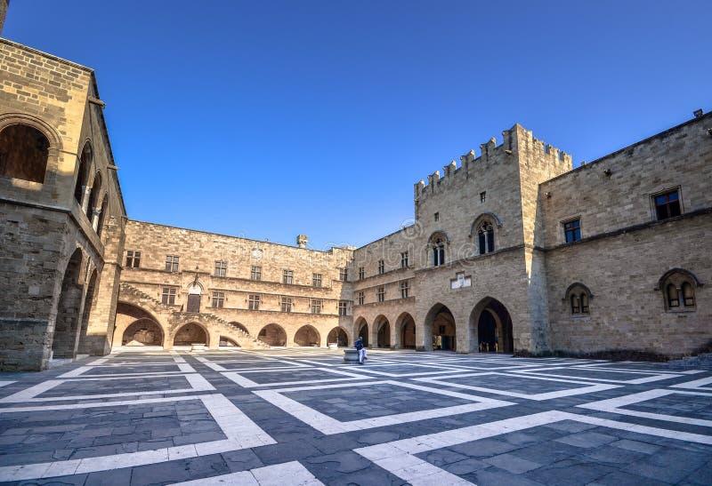 Rhodes Island Grekland, ett symbol av Rhodes, den berömda slotten för storslagen förlage för riddare royaltyfria foton