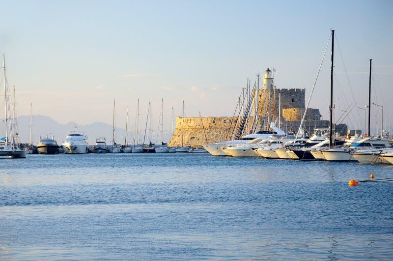 Rhodos-Fort im Sonnenlicht stockfotos