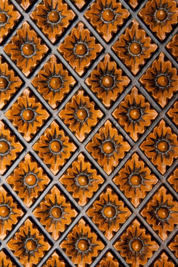 Rhombus affettato sulla scheda di legno immagine stock