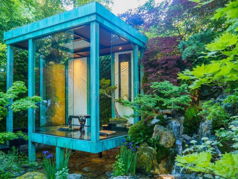 RHS Chelsea Flower Show 2017 Aucun mur, aucune guerre Jardin de gain d'artisan de médaille d'or par Kazuyki principal japonais Is images libres de droits